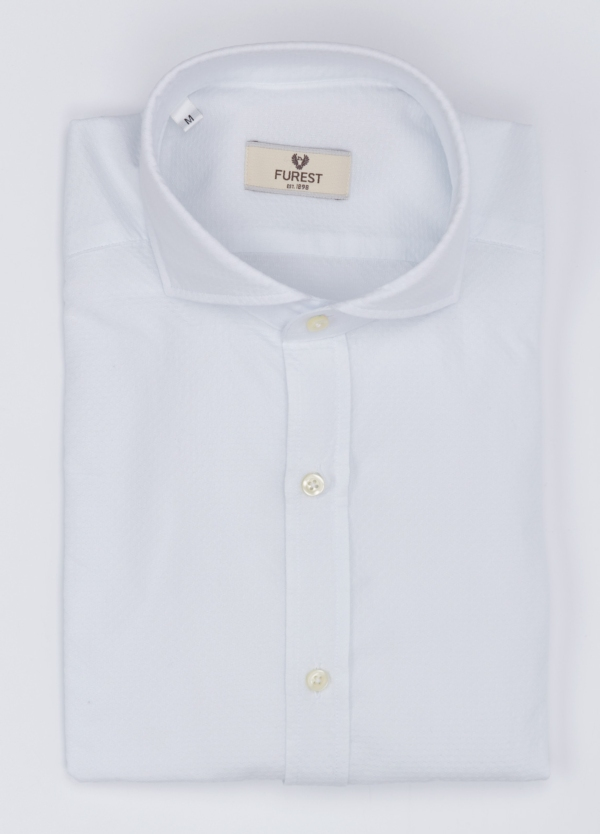 Camisa Leisure Wear SLIM FIT Modelo CAPRI tejido micro textura color blanco, 100% Algodón.