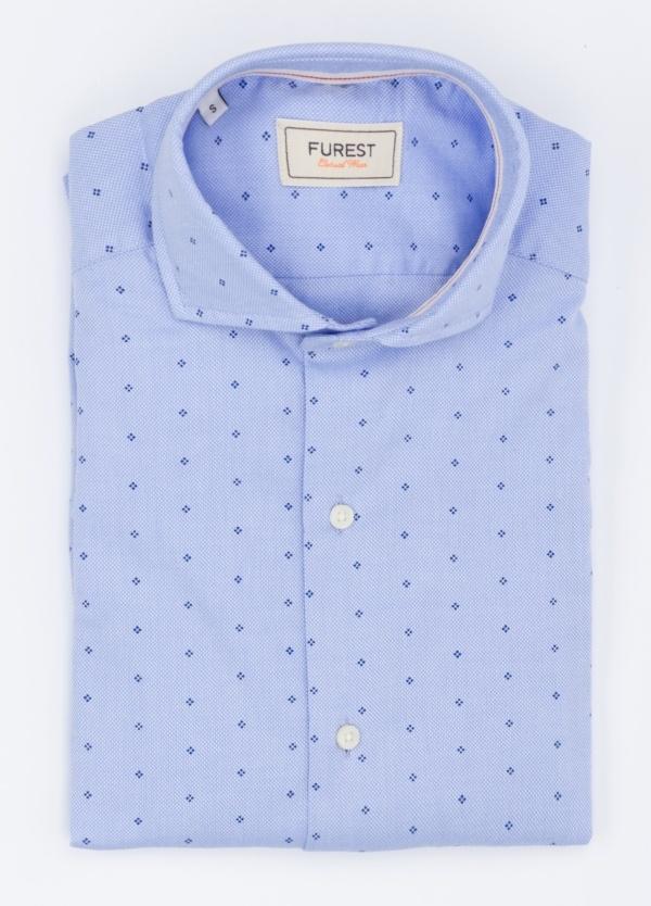 Camisa Leisure Wear SLIM FIT modelo CAPRI, dibujo geométrico color azul celeste . 100% Algodón.