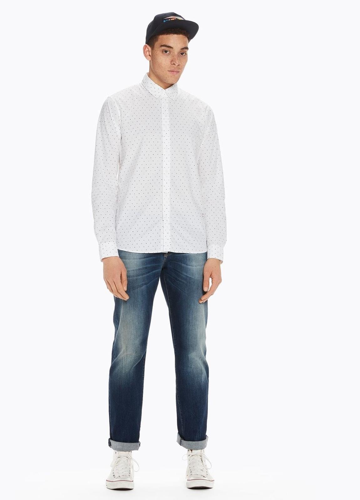 Camisa SLIM FIT, cuello botones. Estampado fases lunares, color blanco . 100% Algodón. - Ítem2