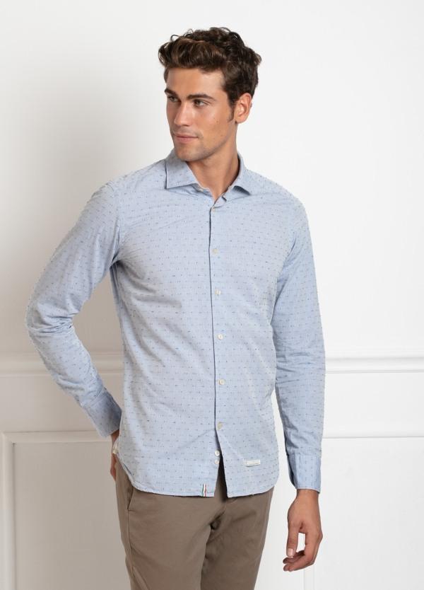 Camisa sport SLIM FIT, dibujo fil coupe color azul celeste. 100% Algodón.