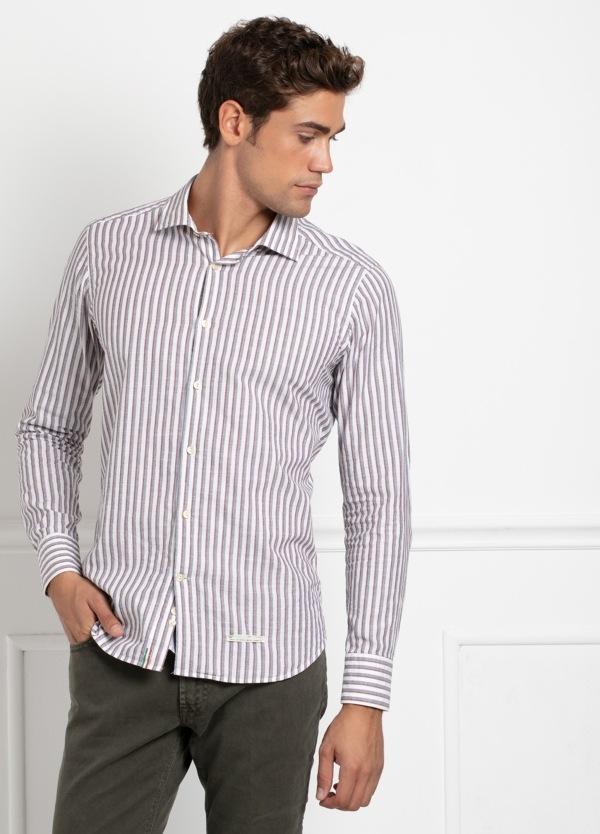 Camisa sport SLIM FIT, rayas color rojo y gris fondo blanco. 100% Algodón.
