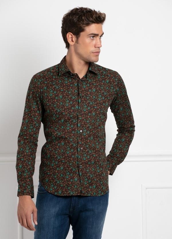 Camisa sport SLIM FIT modelo LEO estampado floral fondo marrón, 100% Algodón.