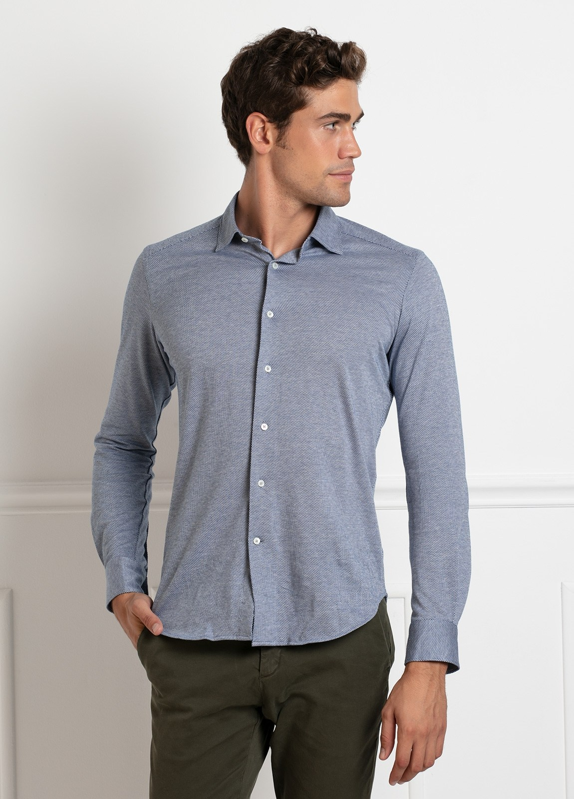 Camisa sport SLIM FIT modelo LEO textura color azul. 100% Algodón.