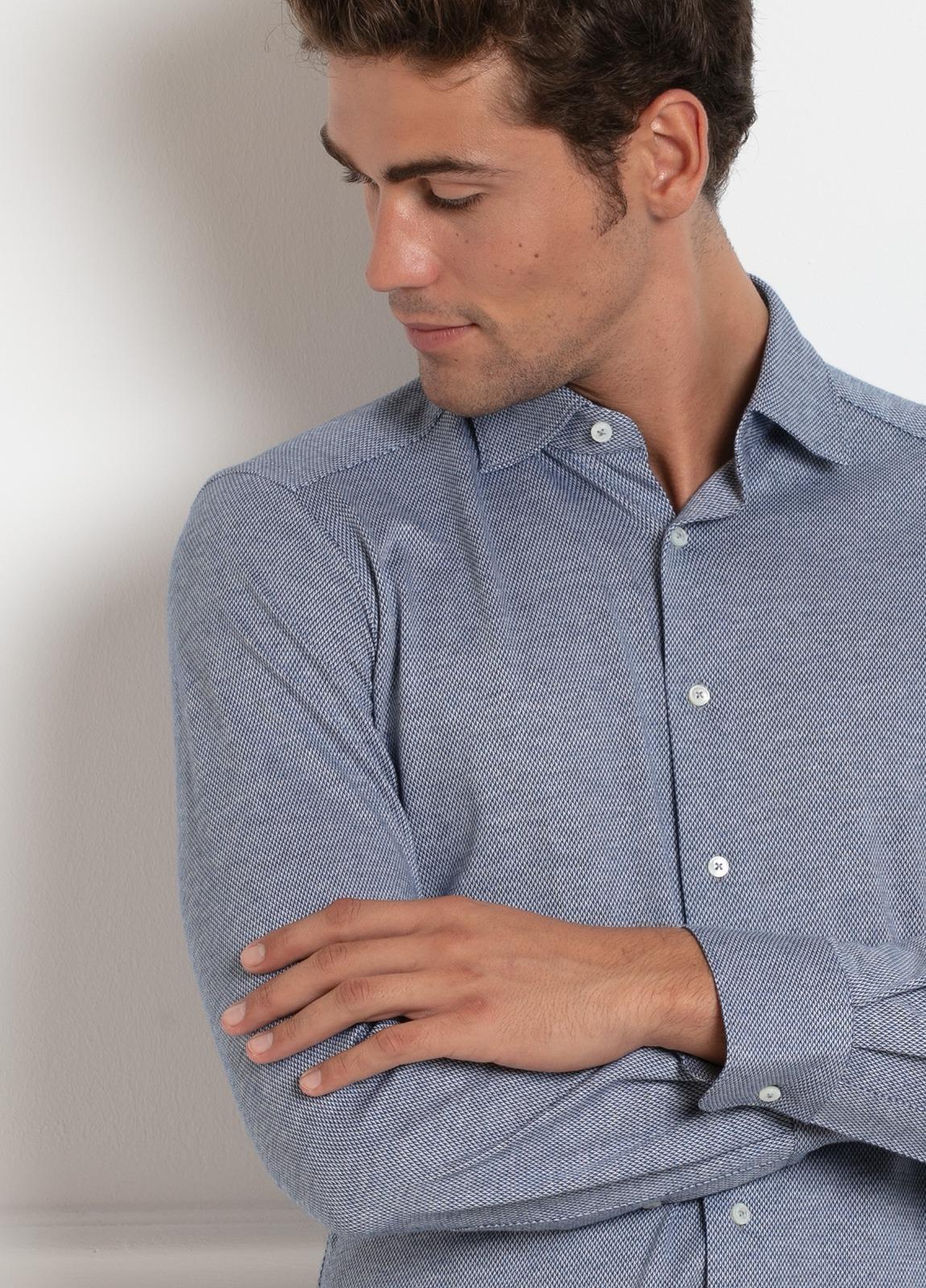 Camisa sport SLIM FIT modelo LEO textura color azul. 100% Algodón. - Ítem2