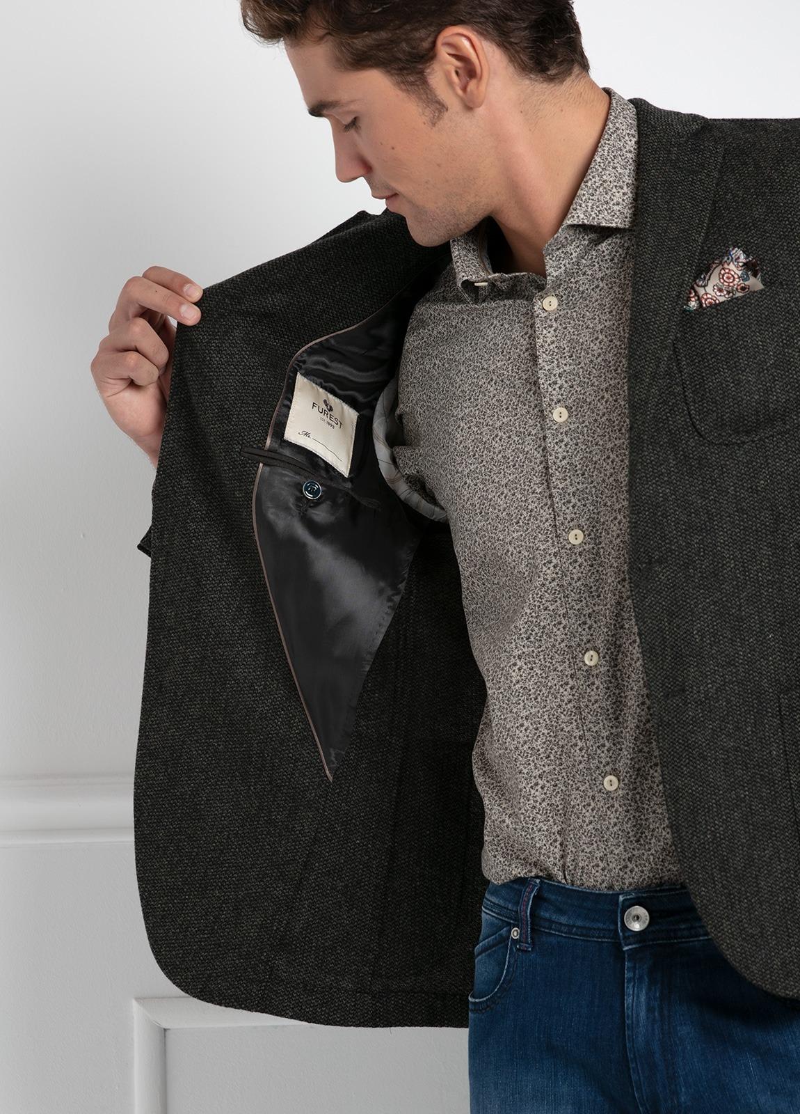 Americana SOFT JACKET Slim Fit, tejido textura color verde oscuro. 97% Lana, 3% Cashmere. - Ítem2