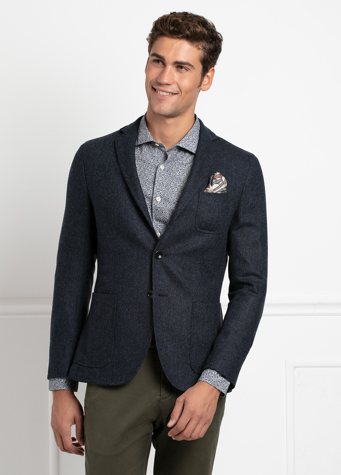 Americana SOFT JACKET Slim Fit, tejido textura color azul oscuro. 97% Lana, 3% Cashmere. - Ítem1