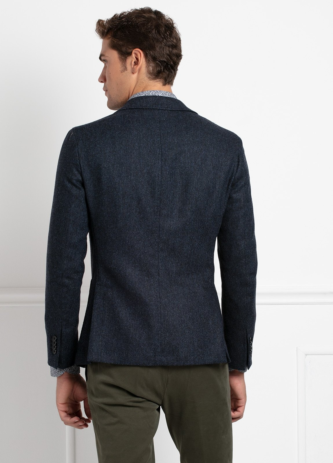 Americana SOFT JACKET Slim Fit, tejido textura color azul oscuro. 97% Lana, 3% Cashmere. - Ítem3