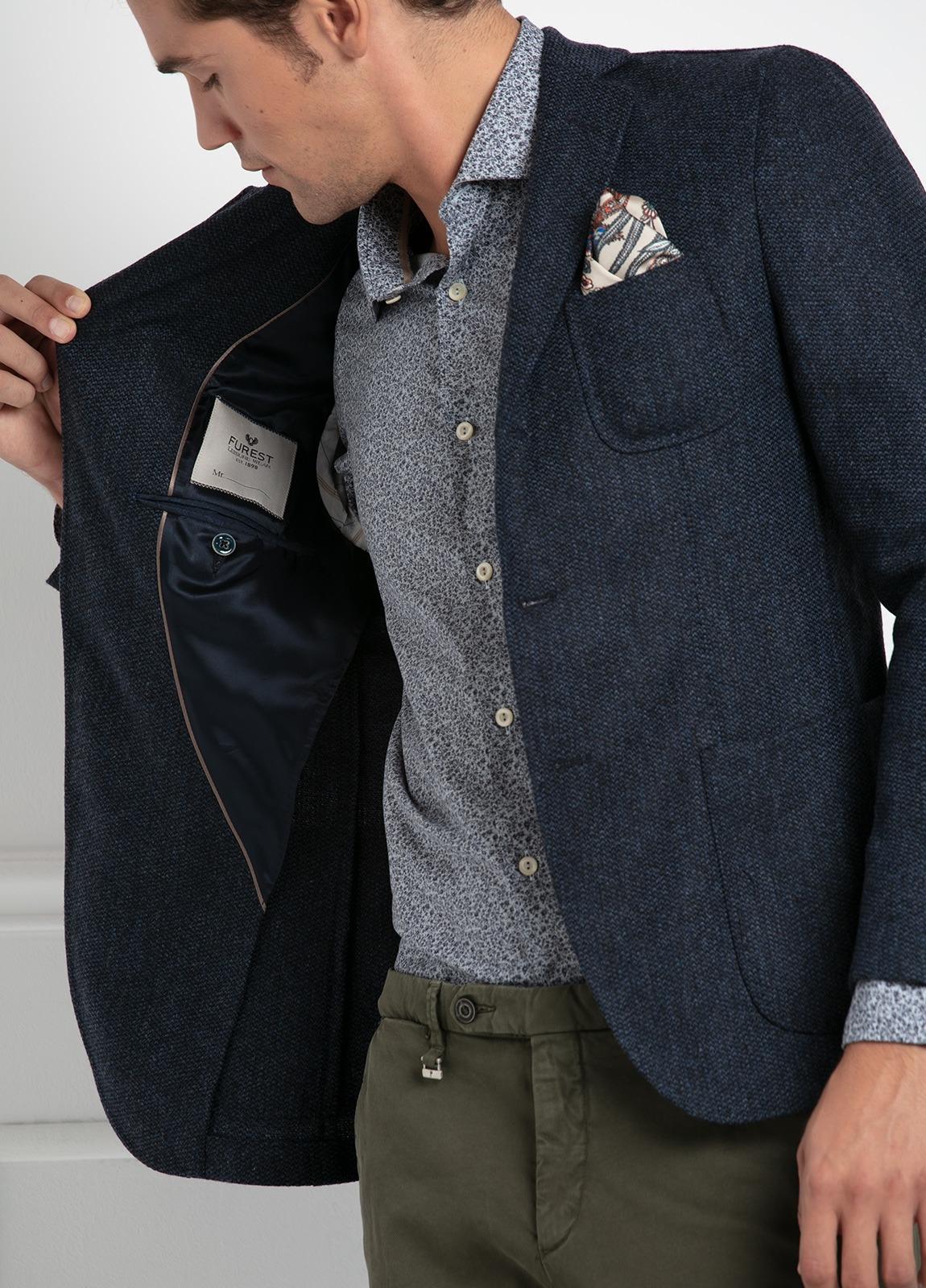Americana SOFT JACKET Slim Fit, tejido textura color azul oscuro. 97% Lana, 3% Cashmere. - Ítem2