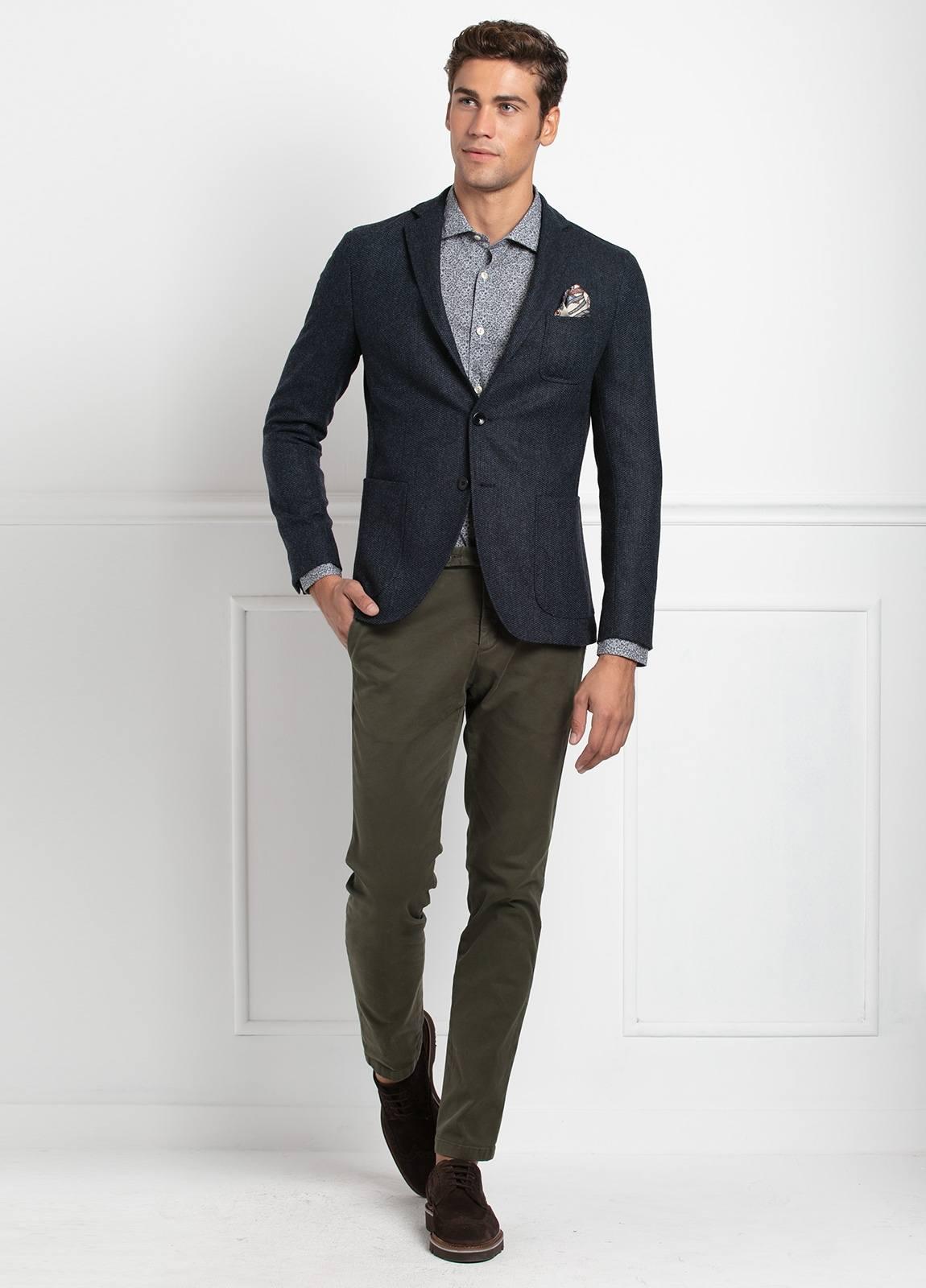 Americana SOFT JACKET Slim Fit, tejido textura color azul oscuro. 97% Lana, 3% Cashmere.