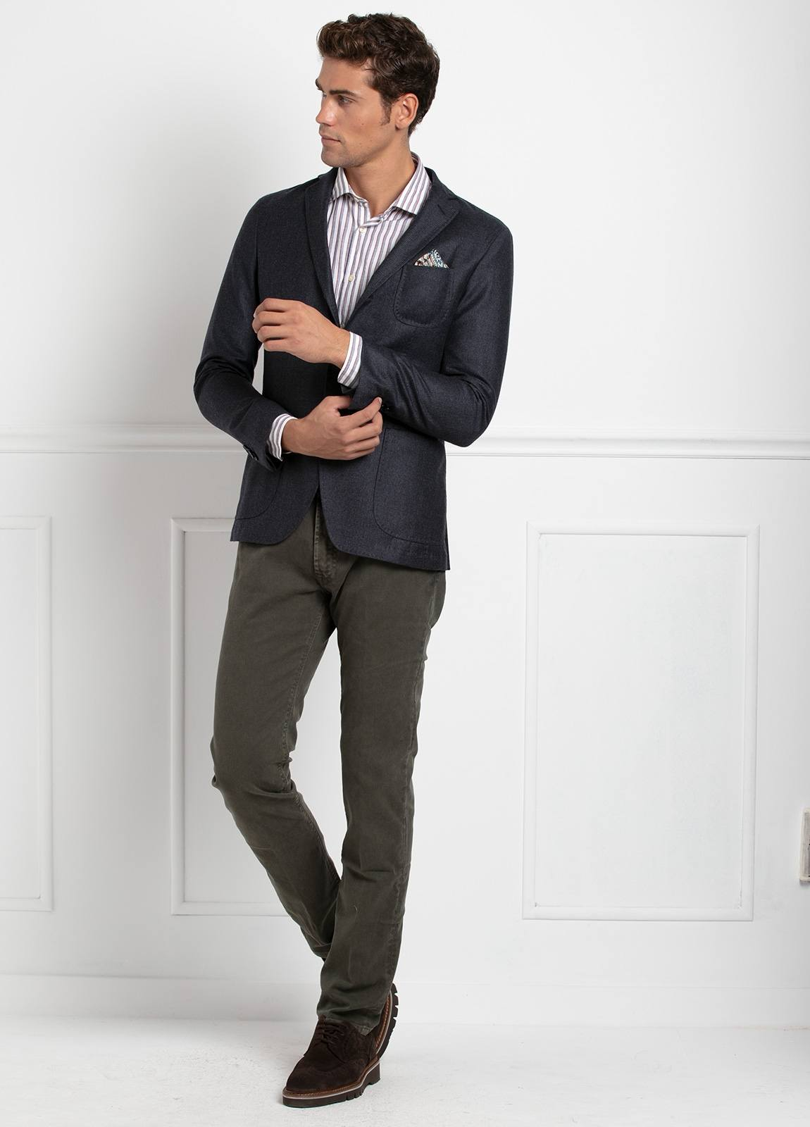 Americana SOFT JACKET Slim Fit, diseño tipo Cheviot cuadro vichy color gris. 100% Lana.
