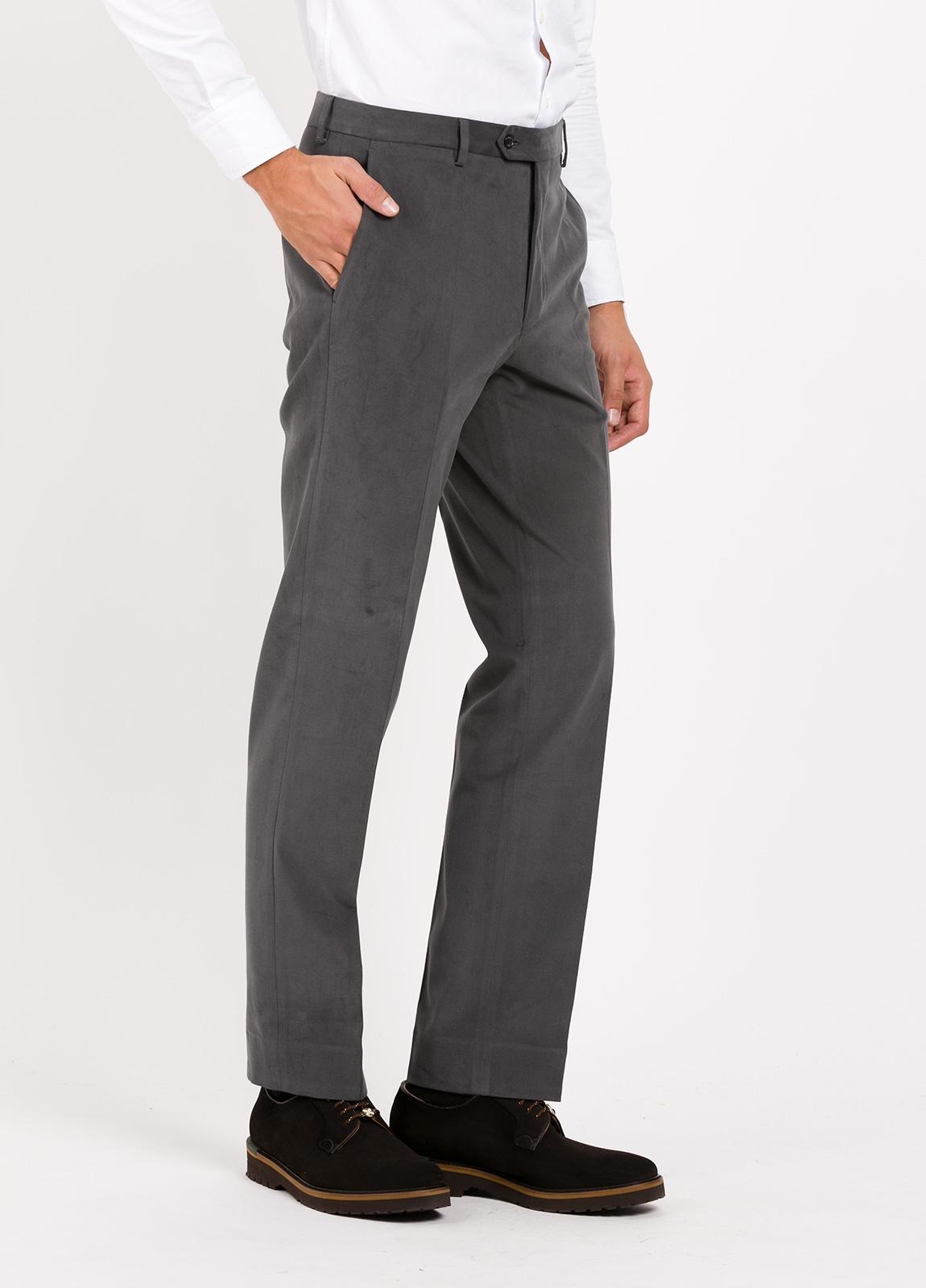 Pantalón vestir de algodón Regular Fit, color gris oscuro. 98% Algodón, 2% Ea. - Ítem1