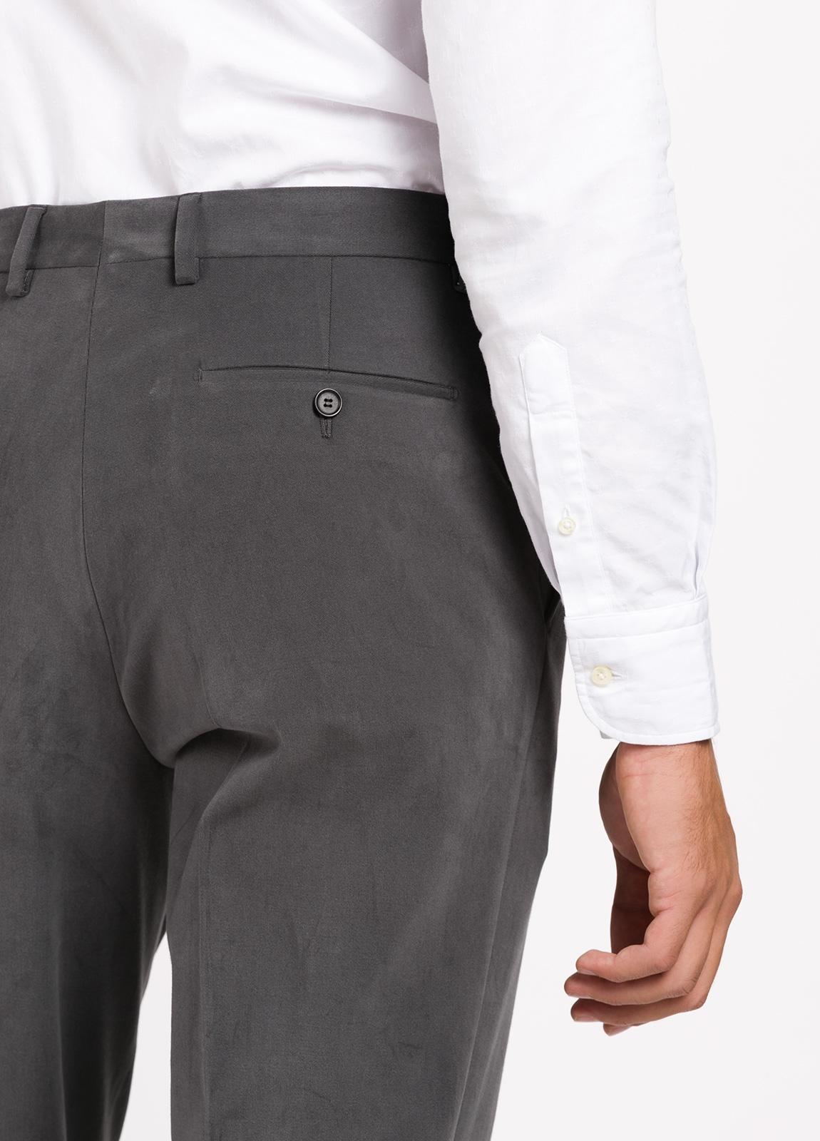 Pantalón vestir de algodón Regular Fit, color gris oscuro. 98% Algodón, 2% Ea. - Ítem2