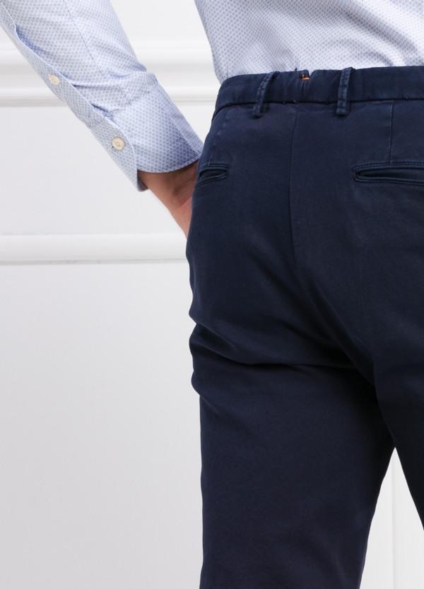 Pantalón modelo slim fit color azul marino. 97% Algodón 3% Ea. - Ítem3