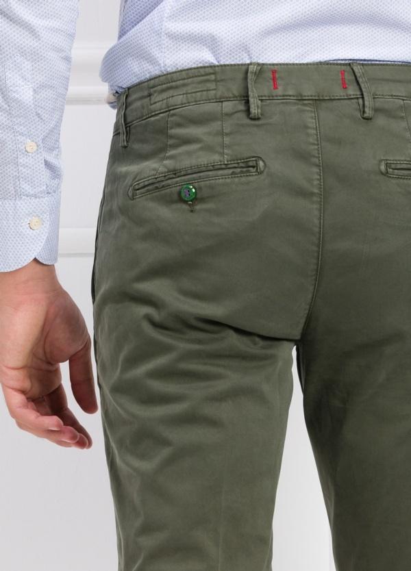 Pantalón chino color verde kaki. 97% Algodón 3% Ea. - Ítem3