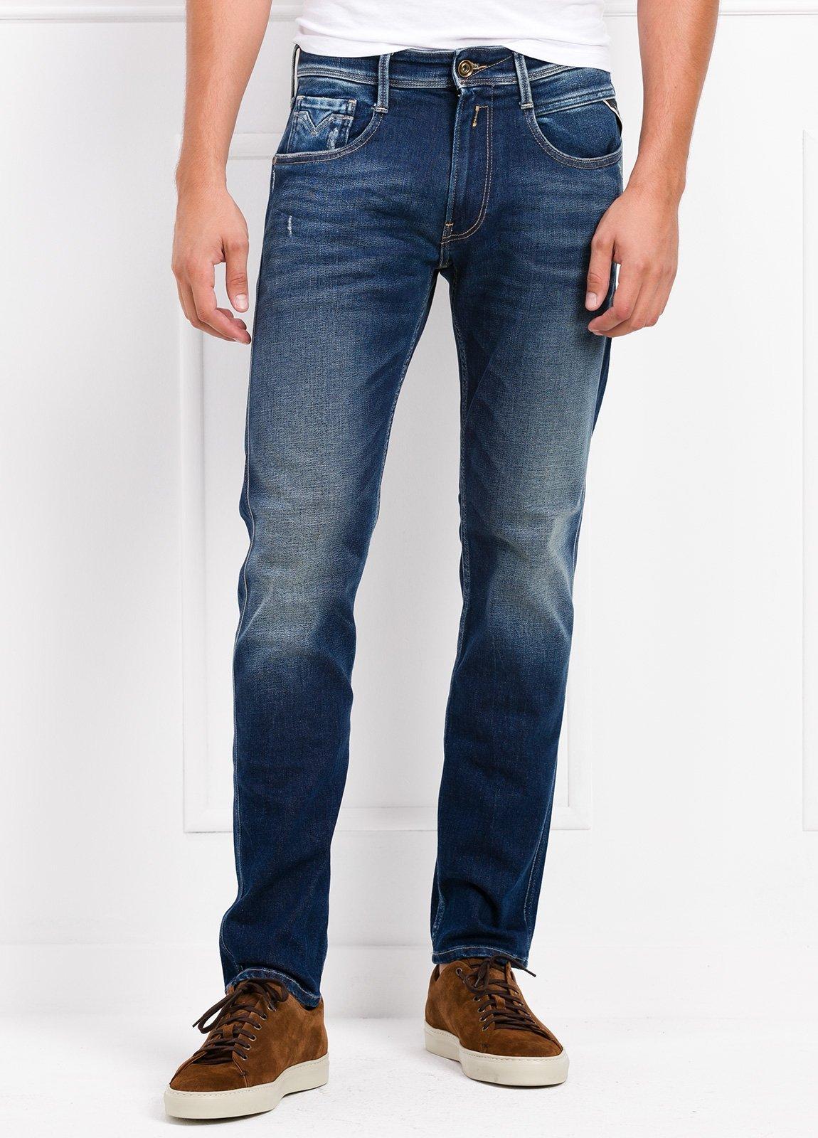 Pantalón tejano 12,5 oz SLIM 914J ANBASS color azul lavado. 98% Algodón. 2% Elastano.