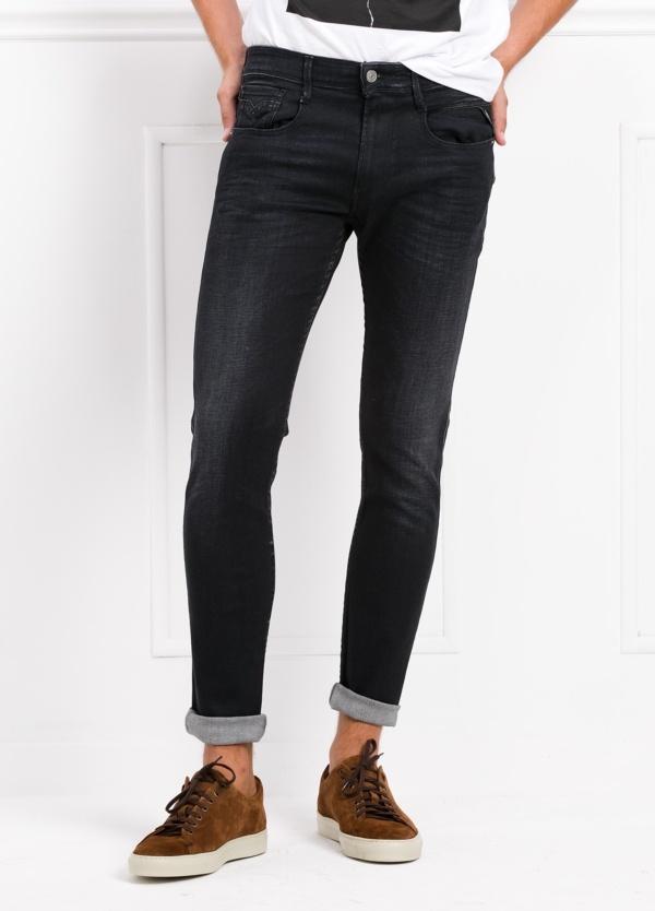 Pantalón tejano 12,5 oz SLIM 914J ANBASS color negro encerado. 90% Algodón 6% Pol. 4% Elastano.