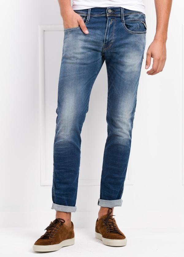 Pantalón tejano 12,5 oz SLIM 914J ANBASS HYPER color azul lavado. 85% Algodón, 10% Polyester, 5% Elastano.