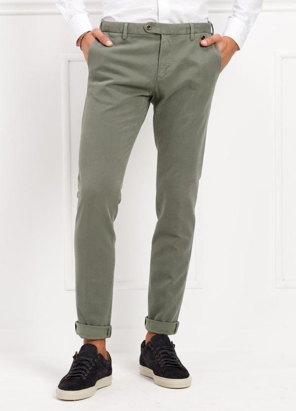 Pantalón sport chino modelo JACK 02 color verde grisaceo, 97% Algodón, 3% Ea.
