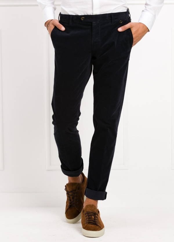Pantalón sport chino modelo JACK 02 color azul marino. 97% Algodón, 3% Ea.