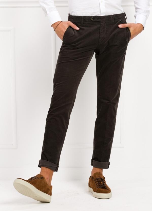 Pantalón sport chino modelo JACK 02 color antracita, 97% Algodón, 3% Ea.