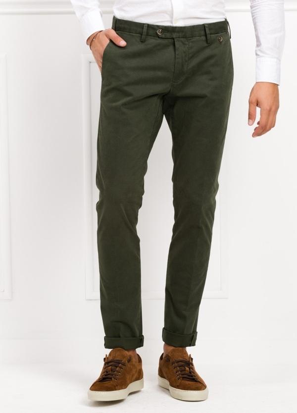 Pantalón sport chino modelo JACK 02 color verde oscuro, 97% Algodón, 3% Ea.