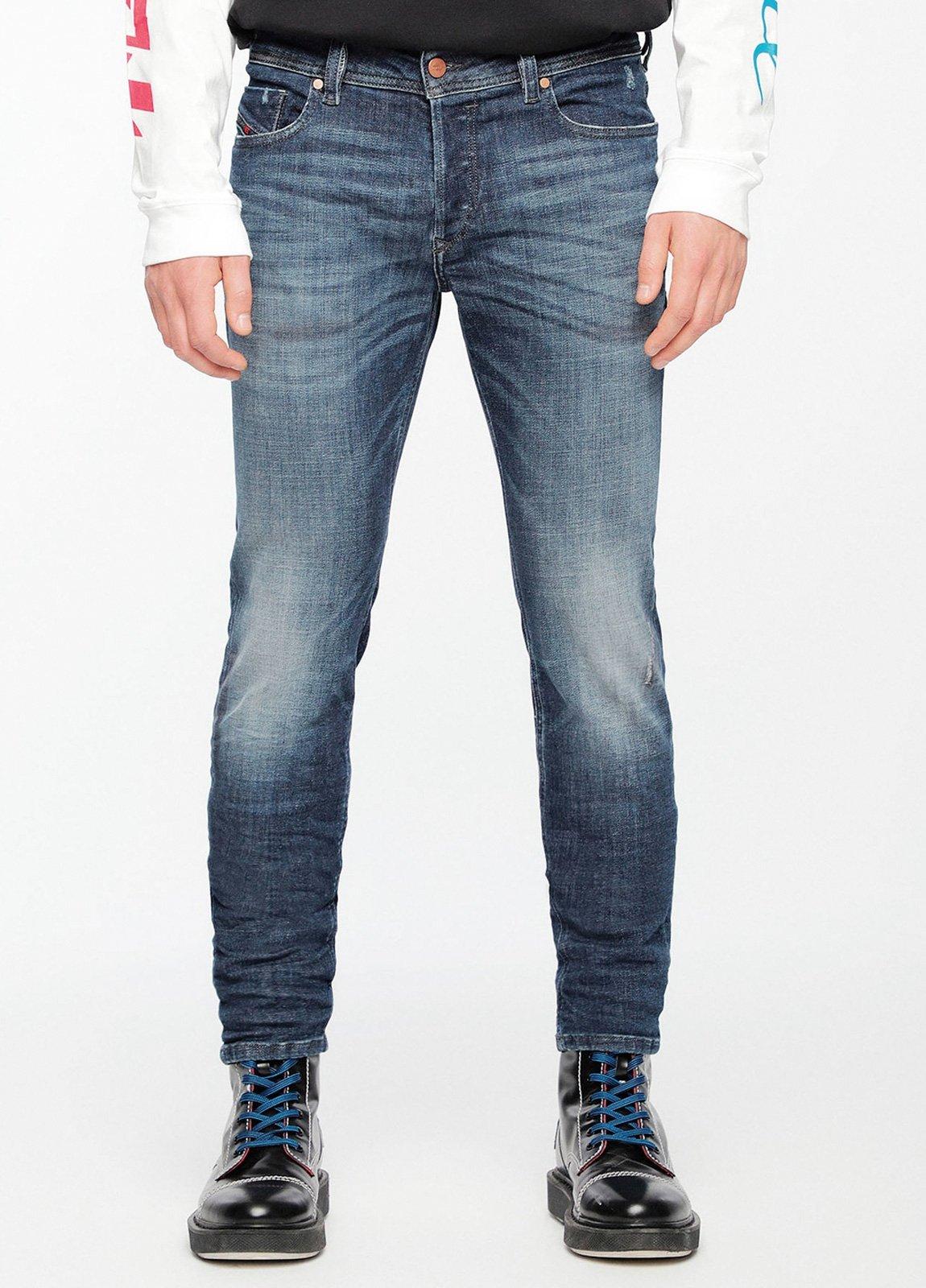 Pantalón tejano skinny modelo SLEENKER color azul lavado. 95% Algodón 3% Poliéster 2% Elastáno.
