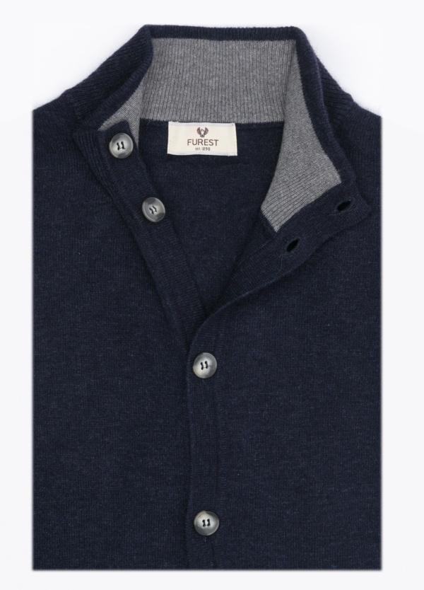 Cárdigan liso botones, color azul marino, 40% lana merino, 30% viscosa, 10% cashemere