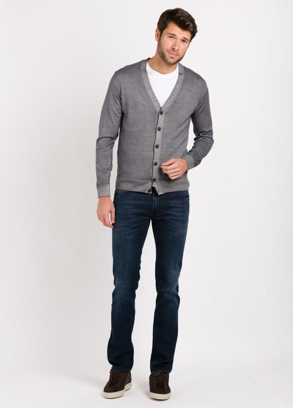 Cárdigan con botones color gris, 100% lana merino extrafino.