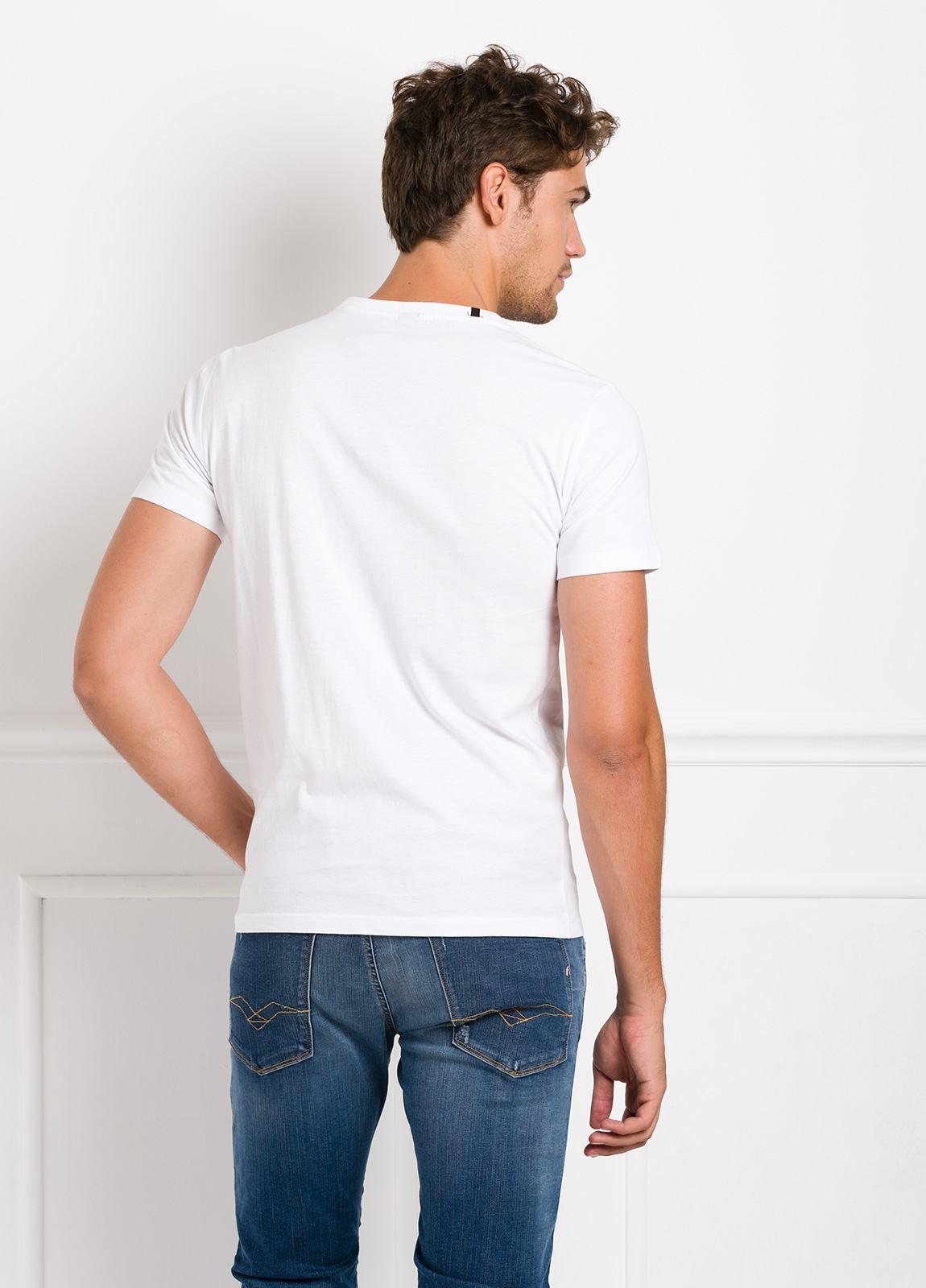 Camiseta manga corta color blanco con estampado gráfico. 100% Algodón. - Ítem1