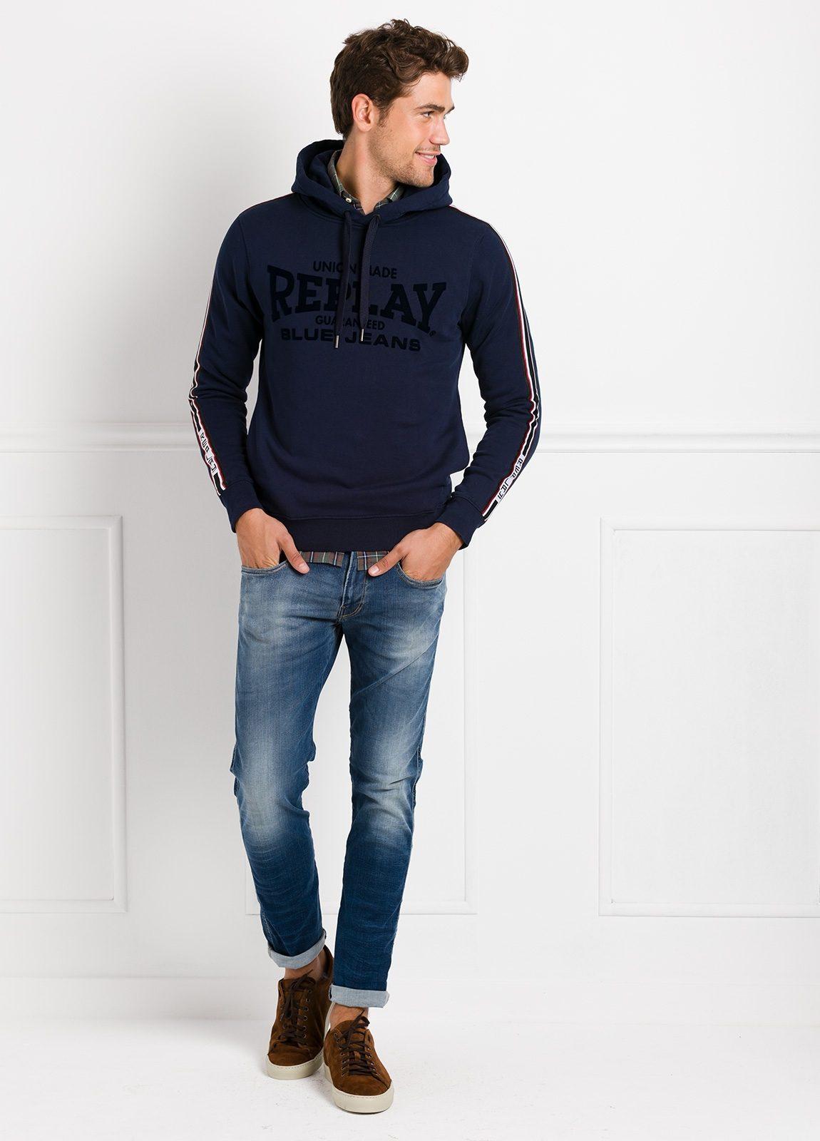 Sudadera con capucha, color azul noche con logotipo estampado. 100% Algodón.