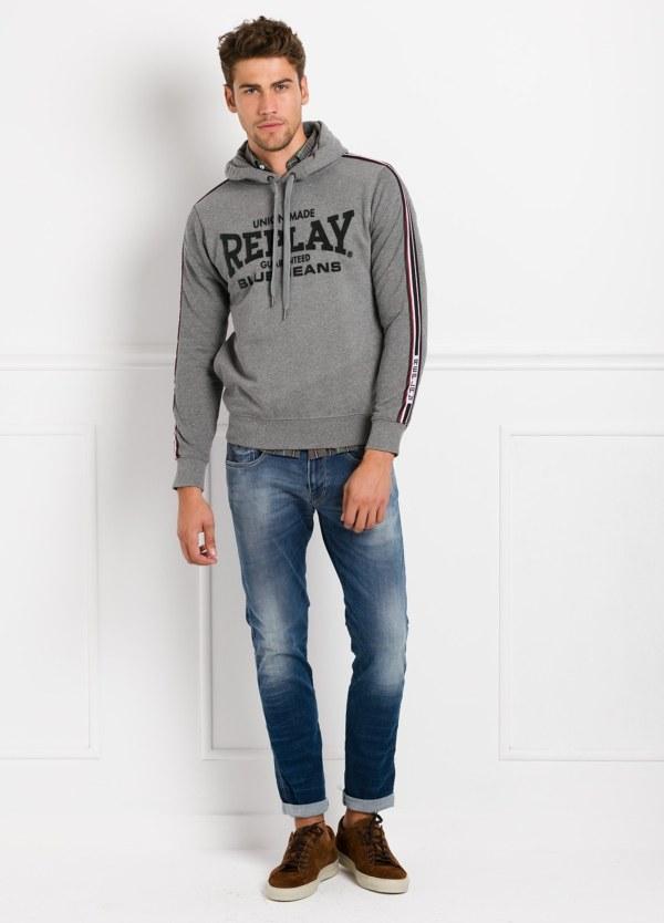 Sudadera con capucha, color gris con logotipo estampado. 100% Algodón.