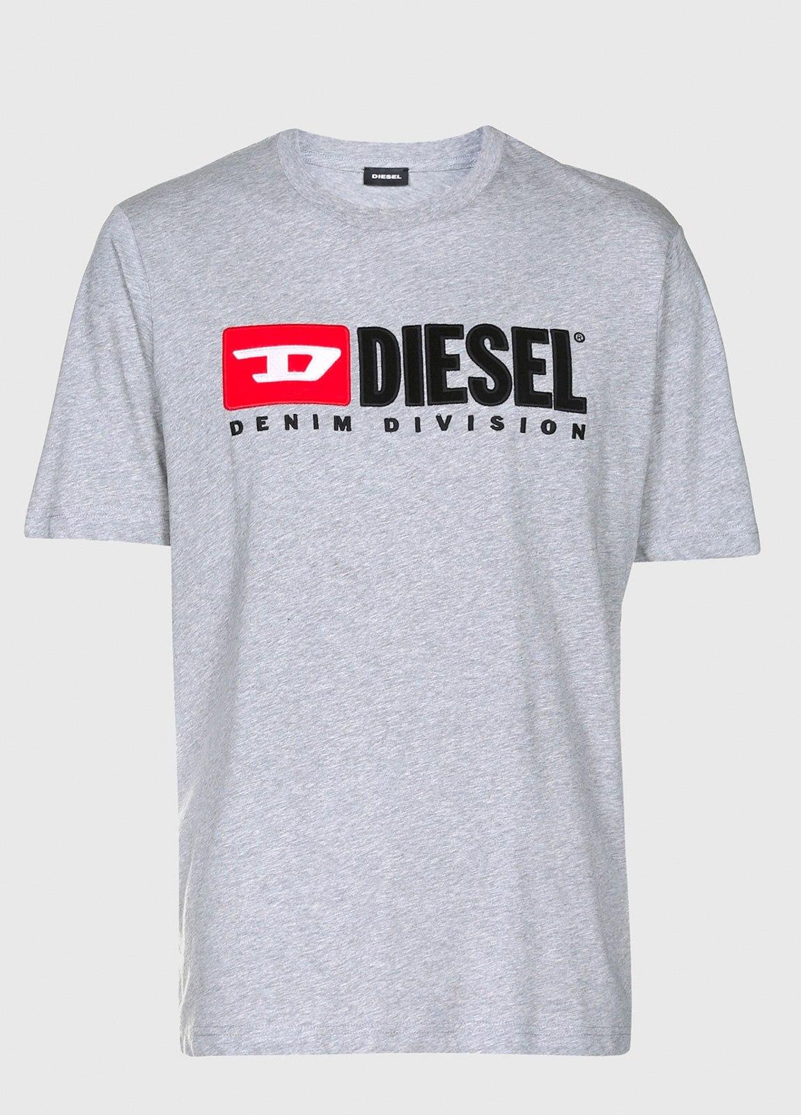 Camiseta básica m/corta de corte recto y logo años 90. Color gris. 100% algodón. - Ítem1