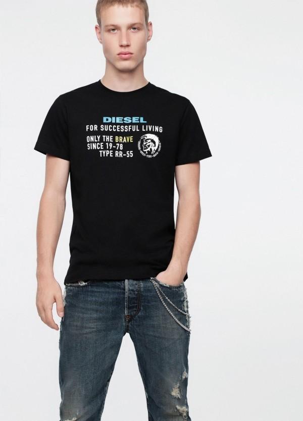 Camiseta básica m/corta de corte recto y logo Diesel. Color negro. 100% algodón.