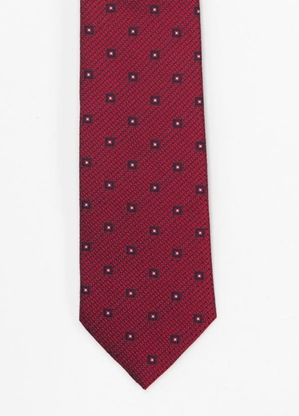 Corbata Formal Wear microtextura color granate, dibujo geométrico. Pala 7,5 cm. 100% Seda.