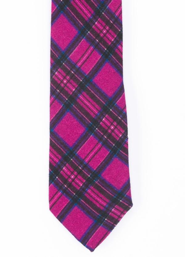 Corbata Formal Wear microtextura color fucsia, dibujo cuadros. Pala 7,5 cm. Lana.