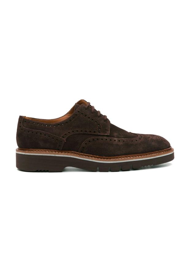 Zapato Sport Wear ante color marrón oscuro con detalles troquelados, 100% Piel.