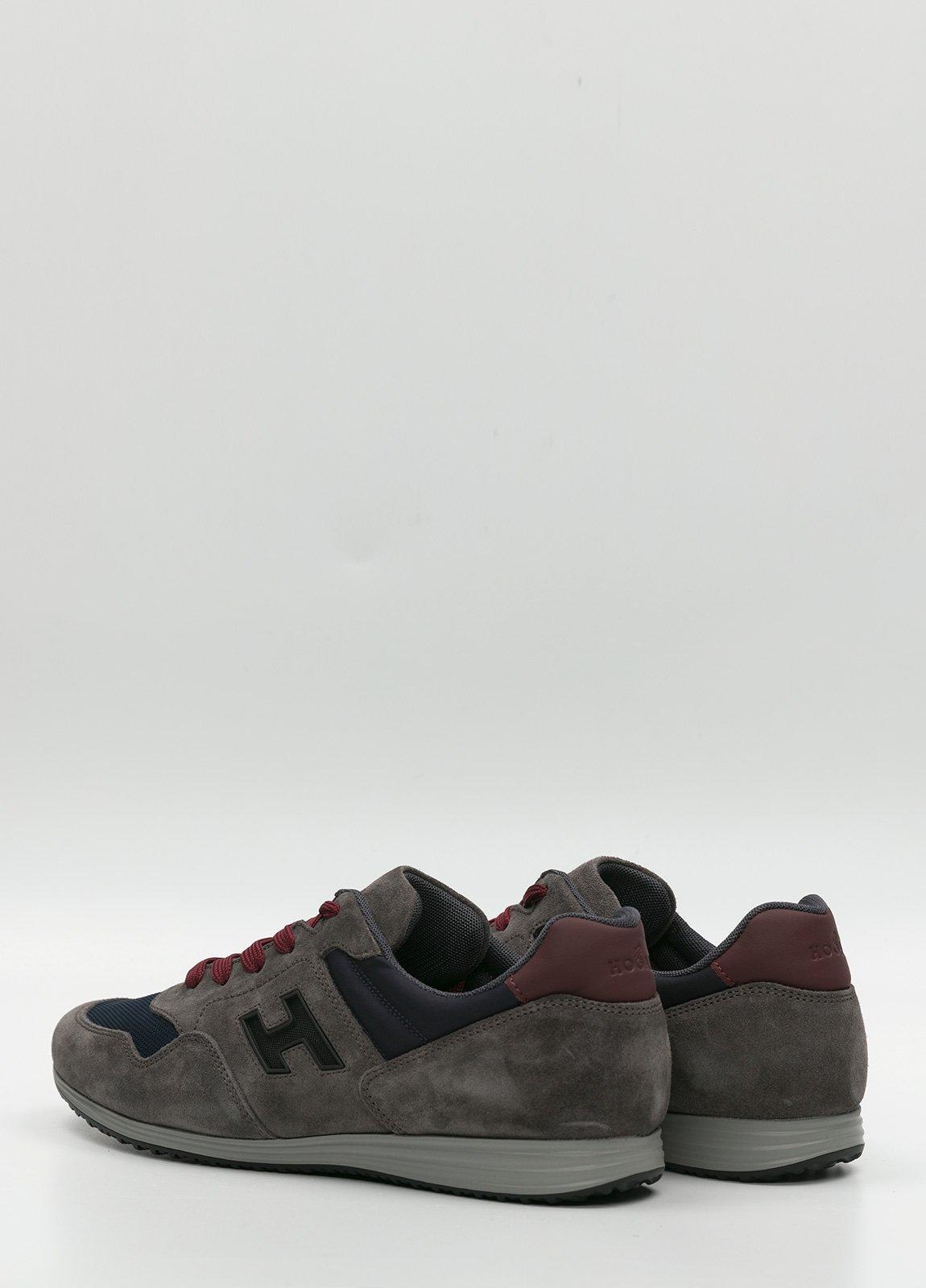 Calzado sport color gris y azul. Combinación de piel, ante y tejido técnico - Ítem1