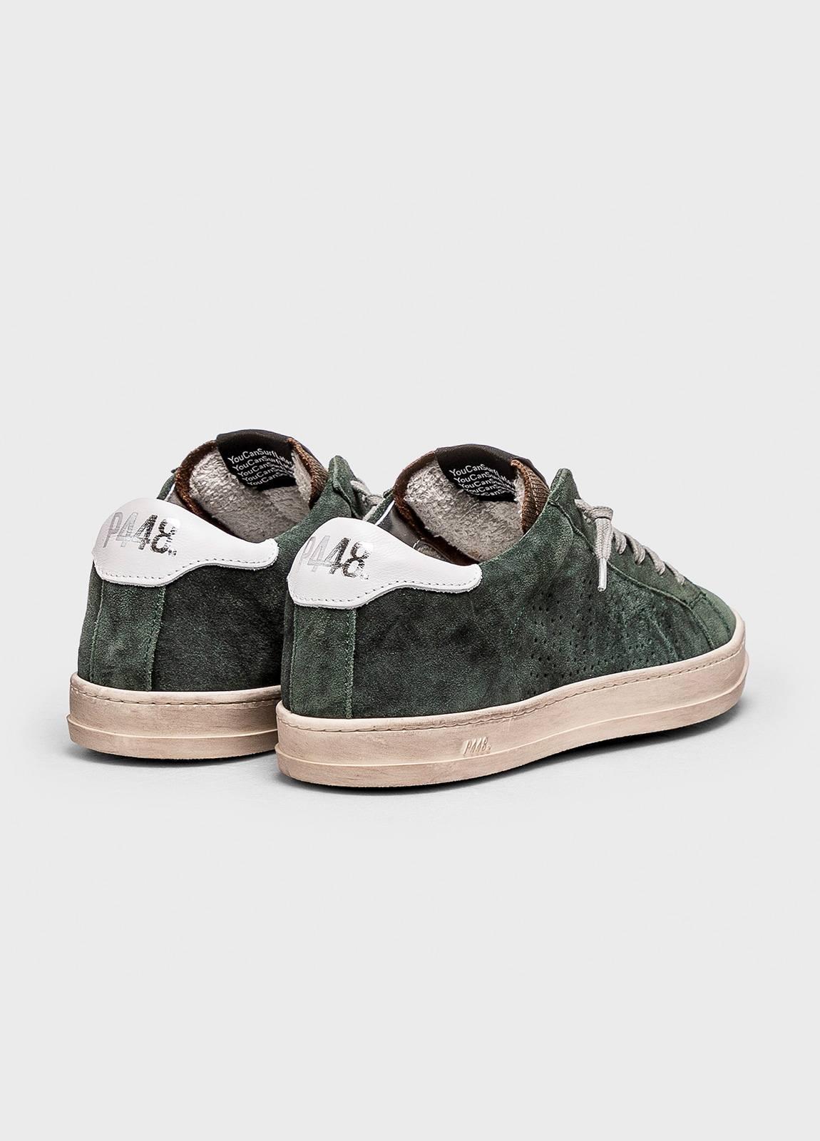 Calzado sport modelo JOHN color verde gastado. Serraje. - Ítem1