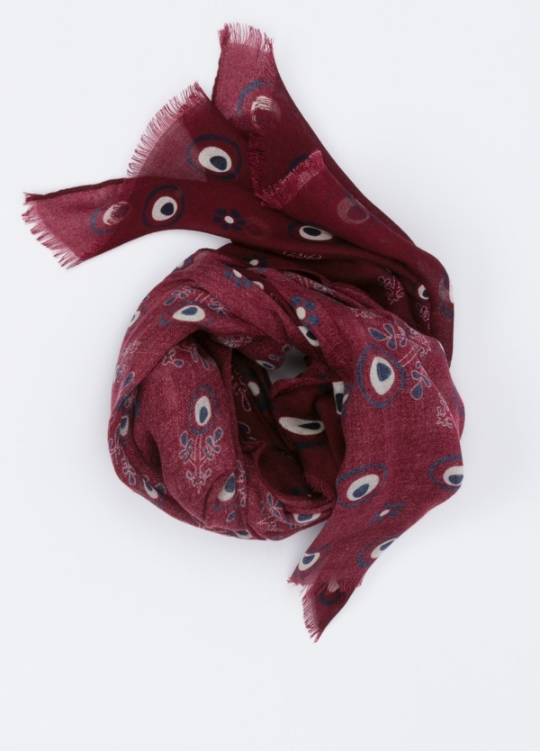 Foulard estampado color granate, 60 x 180 cm.