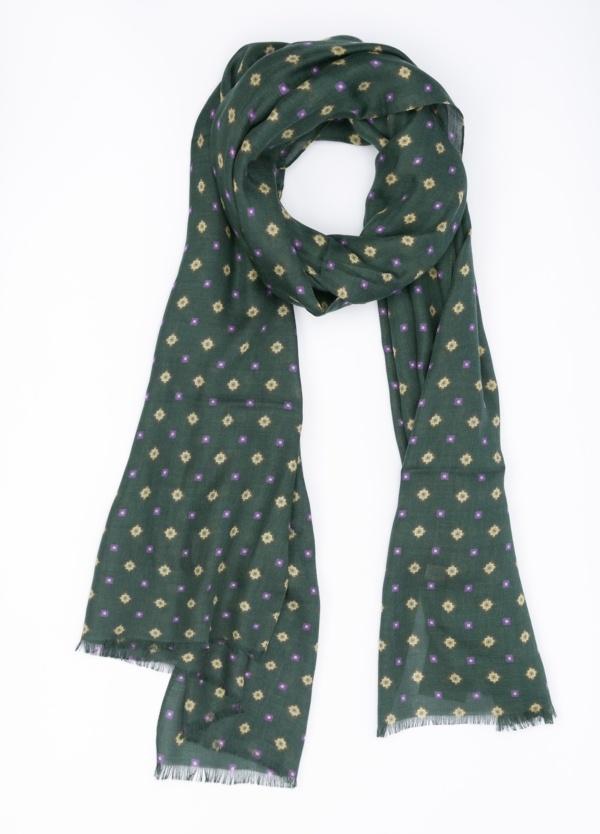 Foulard dibujo geométrico, color verde, 87 X 147 cm. 100% Modal.