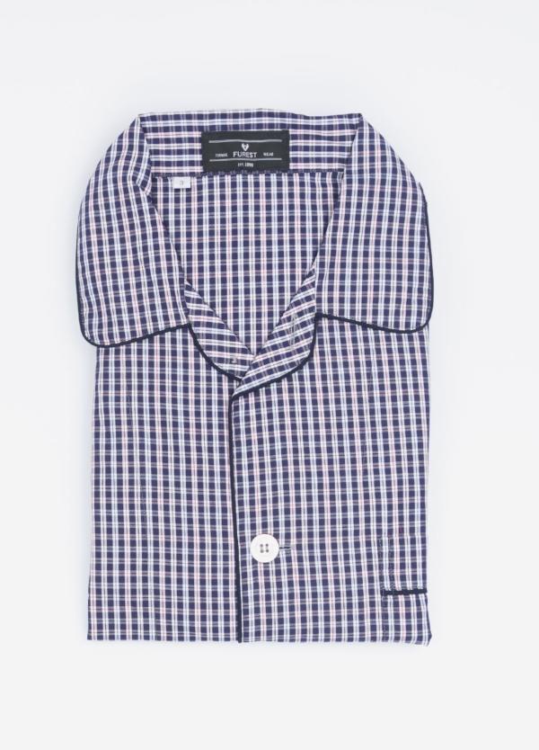 Pijama LARGO dos piezas, pantalón largo con cinta no elástica y funda incluida color marino y rojo con estampado cuadros. 100% Algodón.