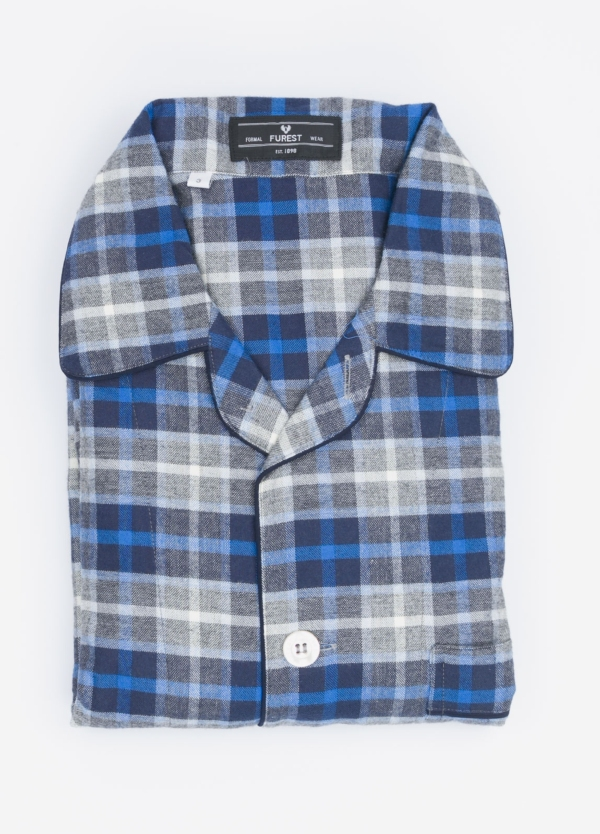 Pijama LARGO dos piezas, pantalón largo con cinta no elástica y funda incluida color azul con estampado cuadros. 100% Algodón viella.
