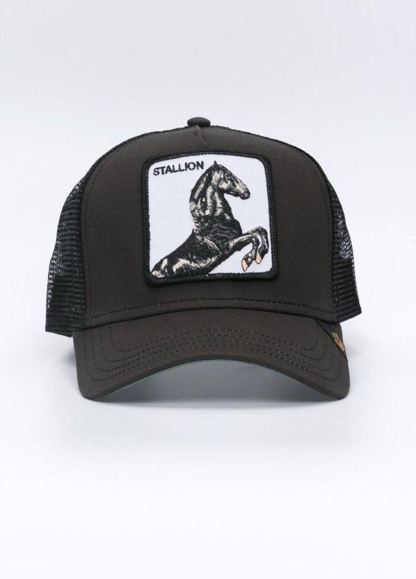 Gorra Trucker color negro dibujo caballo.