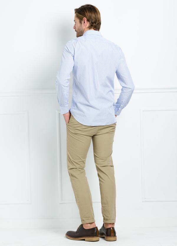 Camisa Formal Wear SLIM FIT cuello italiano modelo ROMA color blanco con micro dibujo color azul. 100% Algodón. - Ítem3