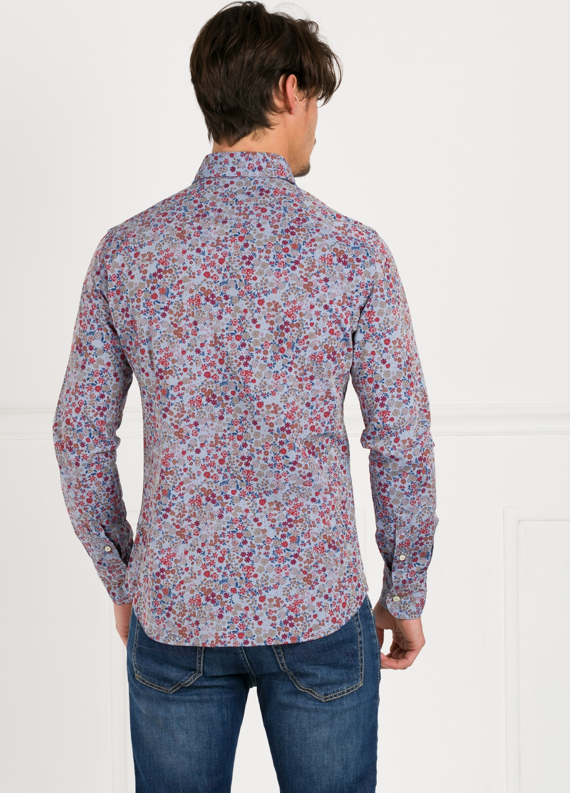 Camisa Leisure Wear SLIM FIT modelo PORTO dibujo floral fondo blanco. 100% Algodón. - Ítem3
