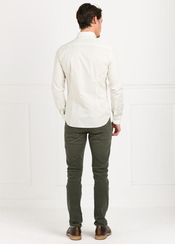 Camisa Leisure Wear SLIM FIT modelo PORTO dibujo fantasia color verde, fondo blanco. 100% Algodón. - Ítem3