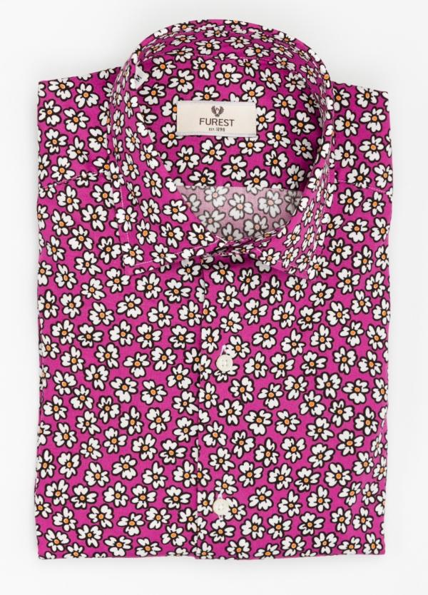 Camisa Leisure Wear SLIM FIT modelo PORTO dibujo floral, fondo fuxia. 100% Algodón.