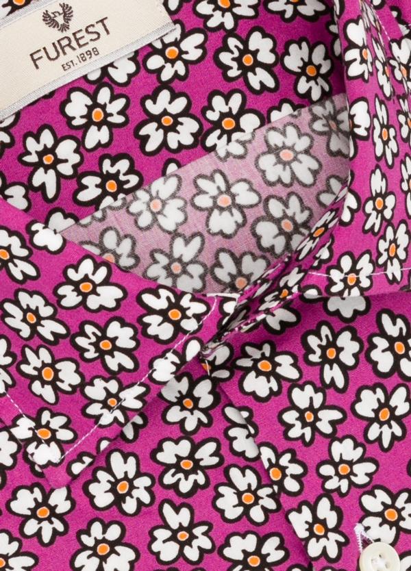 Camisa Leisure Wear SLIM FIT modelo PORTO dibujo floral, fondo fuxia. 100% Algodón. - Ítem1
