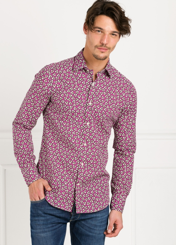 Camisa Leisure Wear SLIM FIT modelo PORTO dibujo floral, fondo fuxia. 100% Algodón. - Ítem2