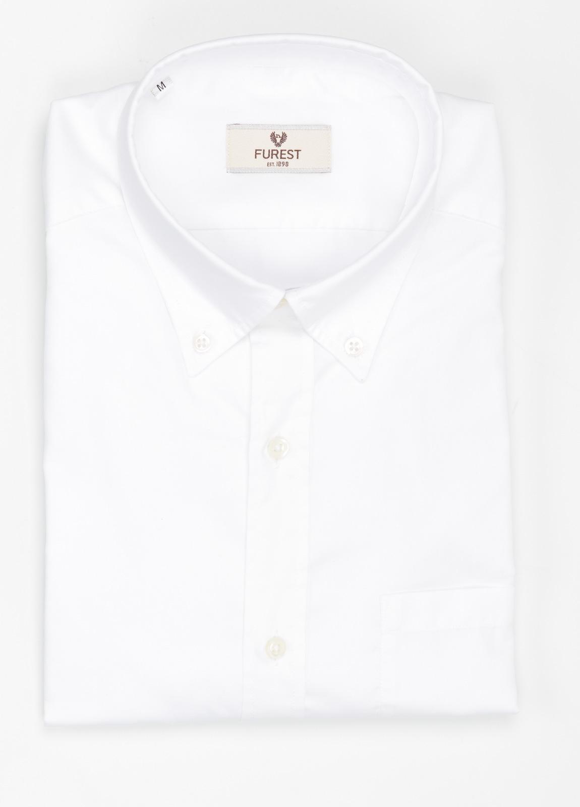 Camisa Leisure Wear REGULAR FIT Modelo BOTTON DOWN color blanco liso , 100% Agodón.